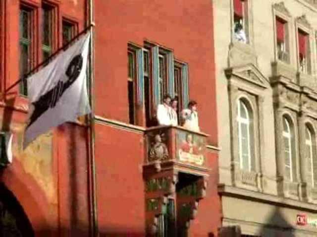 Federer wird 2008 nach seinem Olympiasieg mit Stan Wawrinka in Basel gefeiert.