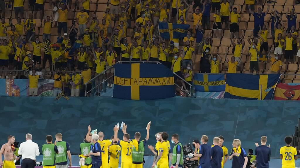 Schweden liess sich für den Punkt gegen Spanien in Sevilla feieren