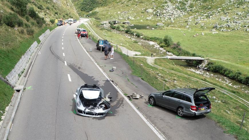 Crash mit Luxuskarossen – 3,7 Millionen Franken Schaden