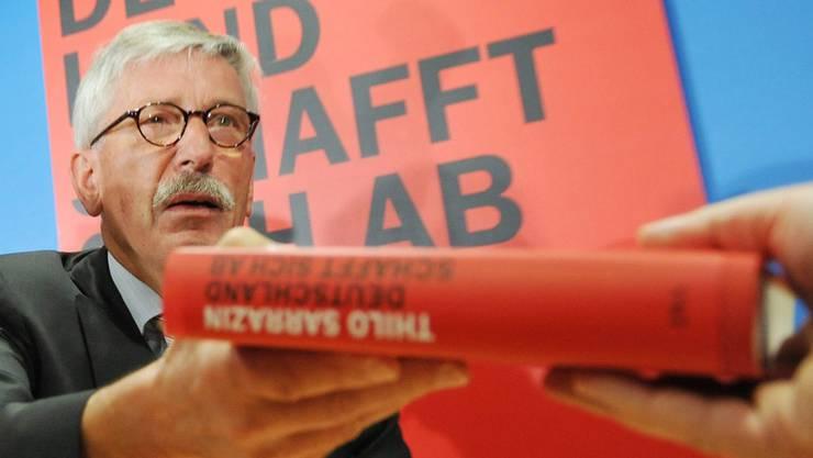 Thilo Sarrazin bei der Präsentation seines umstrittenen Buches «Deutschland schafft sich ab».