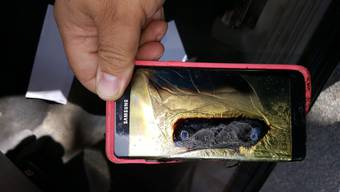 Explosive Ware Samsung-Smartphones des Modells Galaxy Note 7 sind gleich reihenweise in Flammen aufgegangen