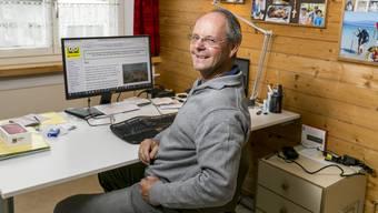Im Büro seines Schlieremer Heims verfasste Beat Rüst 400 Artikel für das Kinderlexikon «Klexikon». Dies Woche erscheint der 3000. Beitrag.