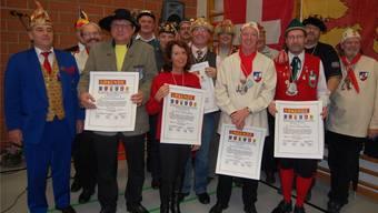 Die Zunftchefs und die Geehrten freuen sich auf die Fasnacht und das grosse Narrentreffen vom 26. und 27.Januar in Laufenburg.zvg