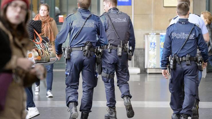 """In der Sendung """"Schweiz aktuell"""" vom Mittwoch wurde bekannt, dass die Staatsanwaltschaft gegen den Einsatzleiter und vier weitere Mitarbeiter der Stadtpolizei ein Strafverfahren eröffnet hat. (Archivbild)"""