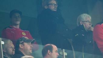 Jürgen Klopp (2.v.l.) während dem Spiel gegen Marseille