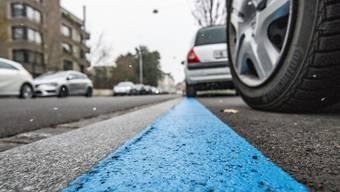 Die Parkkarte erlaubt das Abstellen eines Wagens: Für Besucher soll es in Dietikon weiterhin nur Tageskarten geben.