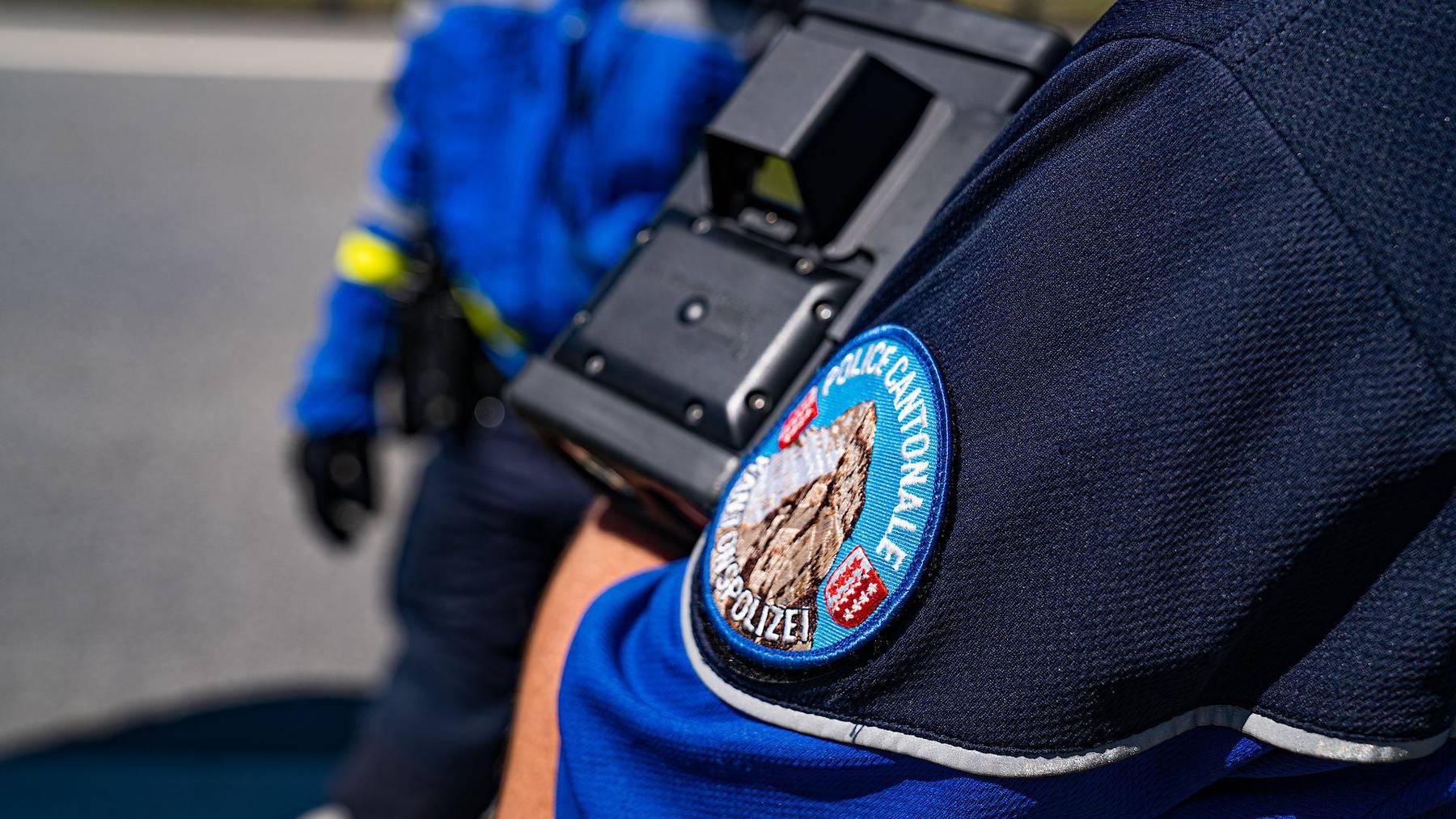 Der Walliser Polizei ging am Sonntag ein Raser ins Netz.