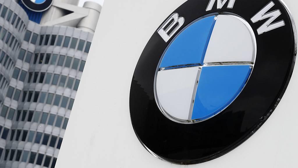 Der deutsche Autokonzern BMW muss in den USA eine hohe Geldstrafe zahlen. BMW soll seine Verkaufszahlen geschönt haben. (Archivbild)