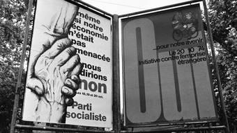 Pro- und Kontra-Plakate in Genf zur Abstimmung von 1974 zum Volksbegehren gegen die Überfremdung und Übervölkerung der Schweiz. Seit 1917 beschäftigt sich die Bevölkerung mit dieser Thematik.