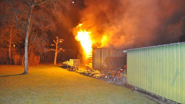 Brand einer Holzbaracke am 4. März 2015 in Gerlafingen