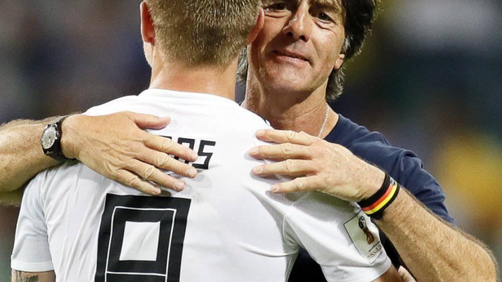 Der deutsche Bundestrainer Joachim Löw wusste, bei wem er sich nach dem Sieg gegen Schweden zu bedanken hatte