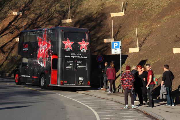 Die Vorfreude auf die Fahrt im Londonbus und auf das Konzert war gross.