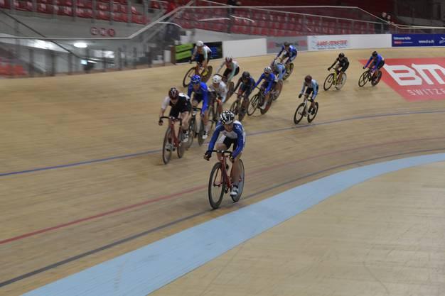 Das Omnium Women UCI CL2 Scratch Rennen geht über 7,5 km.