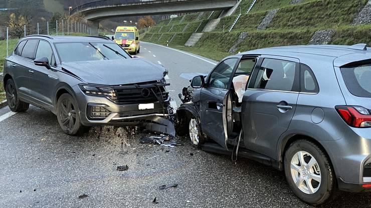 An den Autos entstand Sachschaden in der Höhe von mehreren tausend Franken.
