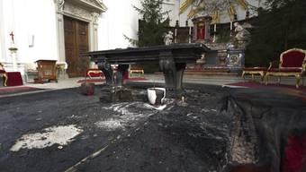 Beim Brandanschlag vom Januar 2011 entstand in der St.-Ursen-Kathedrale in Solothurn grosser Sachschaden. (Archivbild)