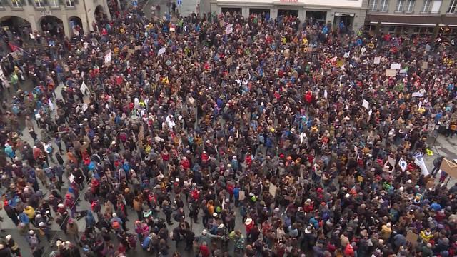 Schüler-Klimastreik von Basel bis nach Bellinzona