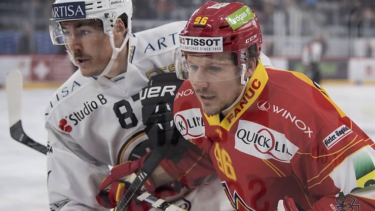 Damien Brunner (rechts) im Duell mit Luganos Dario Bürgler