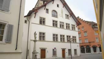 Der Einwohnerrat Brugg trifft sich für seine Sitzung jeweils im ersten Stock.