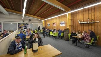 In der sanierungsbedürftigen Curlinghalle ist seit dieser Saison auch das neue Restaurant für die Matchbesucher des EHC Olten untergebracht.
