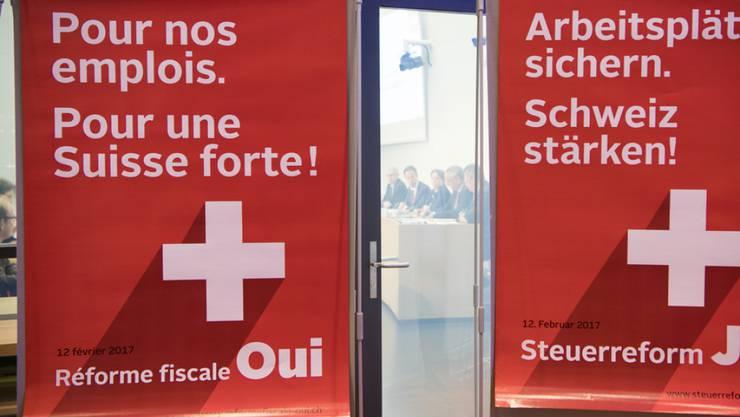 """Plakate des überparteilichen Komitees """"Steuerreform JA"""" in Bern. Nun gibt es auch ein Solothurner Komitee."""