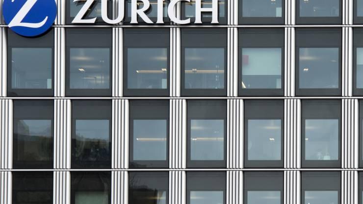 Der Versicherungskonzern Zurich  hat 2016 die Betriebskosten wie angekündigt um 300 Millionen Dollar senken können. Zudem hat der Konzern erhebliche Mittelzuflüsse erwirtschaftet.
