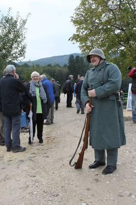 Den 70. Jahrestag der denkwürdigen Bruchlandung im Birseck haben Mitglieder des Organisationskomitees, Gemeindevertreter und Gäste gestern Nachmittag feierlich begangen.