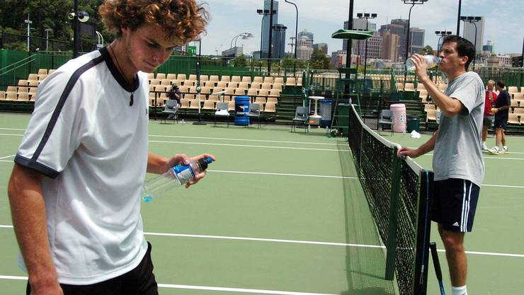 Noch mit wilder Mähne: 2006 gewinnt Murray sein erstes Turnier auf der ATP Tour. In San José schlägt er im Final Lleyton Hewitt