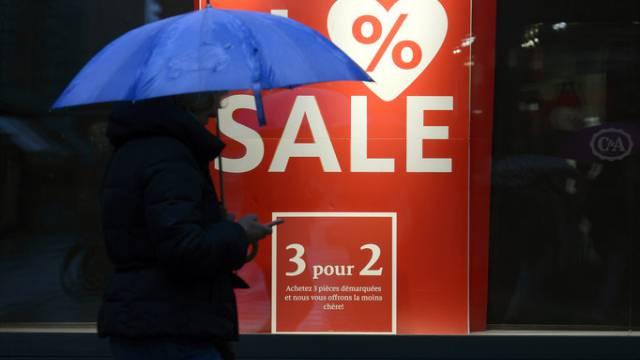 Ausverkauf - die Schweizer Konsumenten kaufen aber sowieso