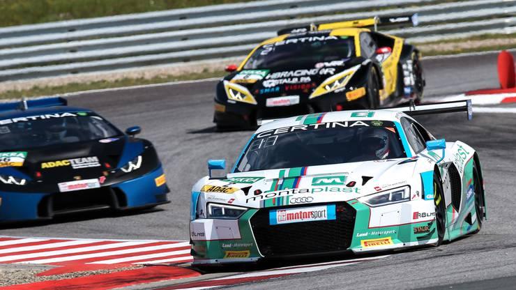 Jeffrey Schmidt in seinem Audi R8 LMS in Aktion auf der Rennstrecke