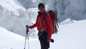 Der neue SAC-Präsident der Sektion Lägern Roni Brunner ist in seinem Element: mit dem Monte-Rosa-Gletscher im Hintergrund und Ski an den Füssen. zvg