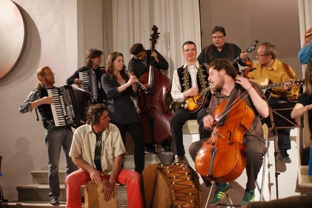 Die Band Ilsah begeisterte mit Weltmusik.
