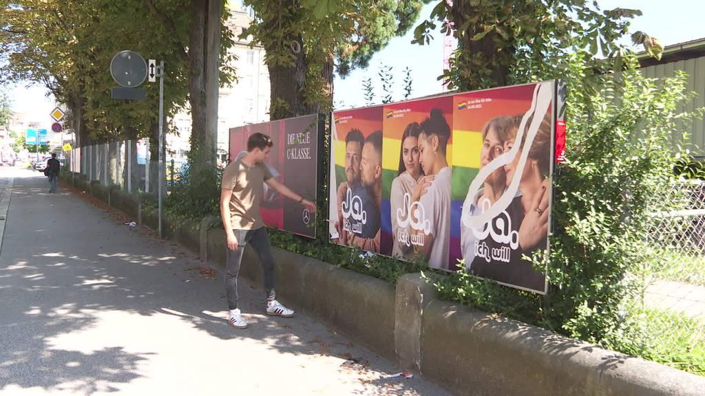 Hohe Kosten: Vandalen zerstören Ehe-für-Alle-Plakate