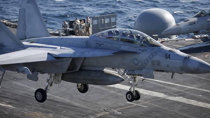 Ein US-Kampfjet des Typs F/A-18. (Symbolbild)