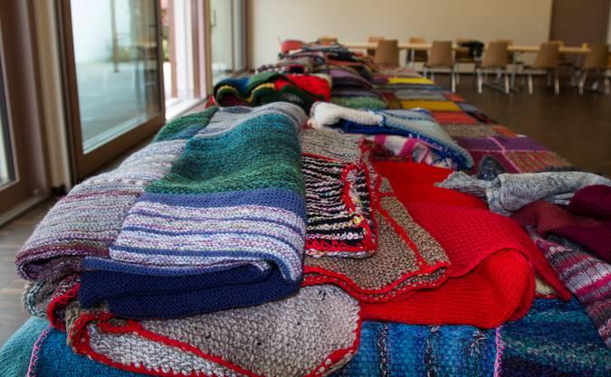 Die warmen Decken sollen Menschen in Not helfen.