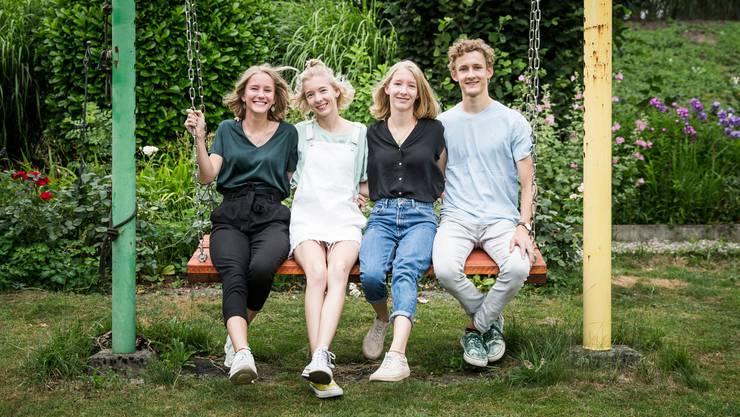Sie werden am 10. August 18 Jahre alt: Leonie, Jantien,  Annelou und Niels Odermatt (v.l.) (Bild Manuela Jans-Koch, Emmenbrücke, 1. Juli 2019 in Emmenbrücke)