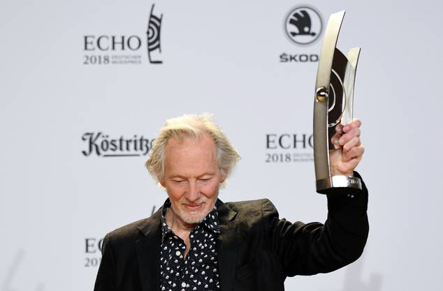 Zuvor hatte bereits der deutsche Musiker Klaus Voormann den Echo für sein Lebenswerk zurückgegeben.