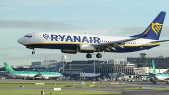 Ryanair macht Quartalsverlust und reduziert Prognose. (Archivbild)