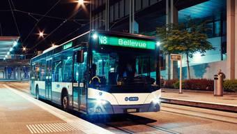 Statt Wiederinbetriebnahme am 17. Juli bleiben sie bis auf Weiteres im Depot: die Nachtbusse und -Züge des ZVV-Nachtnetzes.