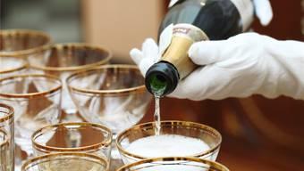 Der Champagner sticht in der Schweiz gar den Wein aus.  Shutterstock