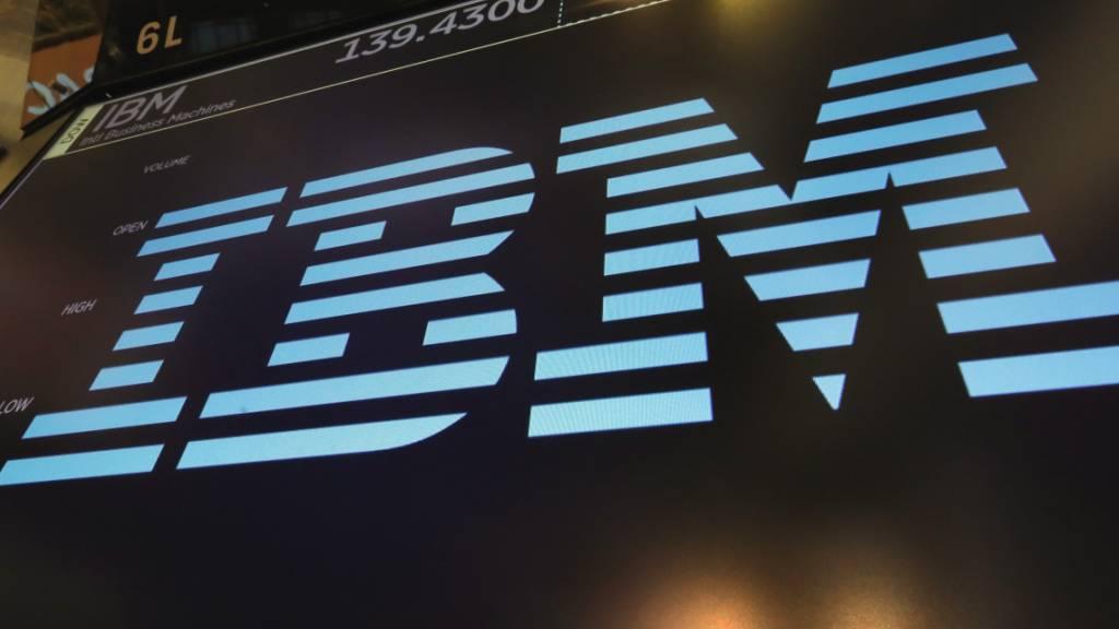 IBM hat im zweiten Geschäftsquartal dank des lukrativen Cloud-Geschäfts die Erwartungen der Experten übertroffen. (Archivbild)