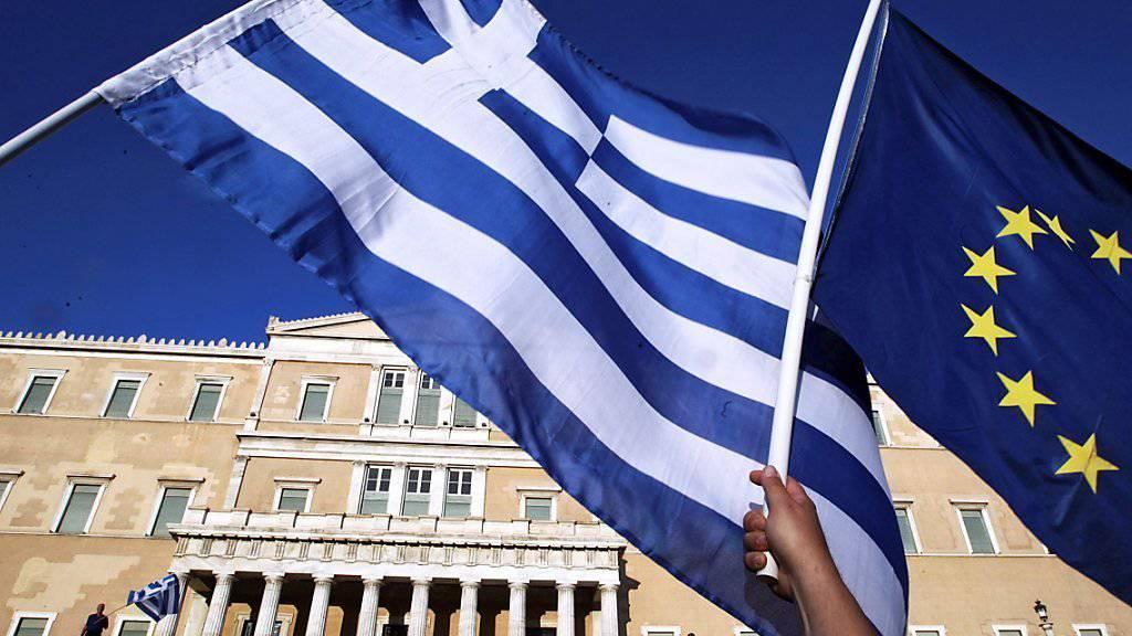 Die Milliarden fliessen wieder: Von Luxemburg (ESM) nach Athen und von dort aus weiter nach Frankfurt (EZB) und Washington (IWF). Doch bis die griechische Staatskasse saniert ist, dürfte es noch Jahrzehnte dauern. (Symbolbild)