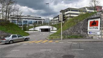 Die Zufahrt über die Sälistrasse zum Parkhaus des Säliparks ist heute nur eine von mehreren Möglichkeiten.