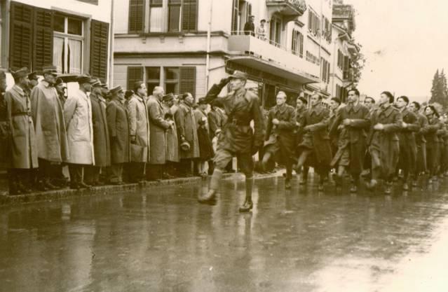 Die Internierung endete offiziell am 15. Dezember 1945.