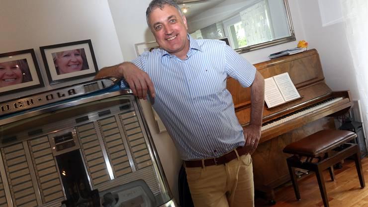 Heinz Schoenenberger komponierte dank seiner Frau (siehe Fotos an Wand) «Green Granit».