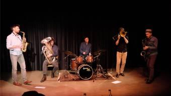 Virtuos und doch sorgfältig arrangiert: Als ehemalige Strassenband weiss Le Rex sein Publikum mitzureissen.