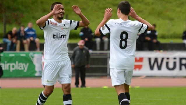 Konnten endlich wieder jubeln: Black Stars' Mergim Ahmeti (r.) und Mickael Feghoul.
