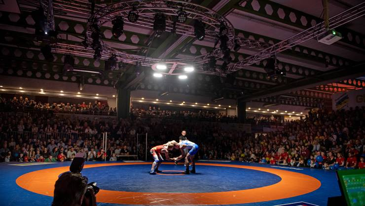 Volles Haus: Die Turnhalle Bachmatten in Muri ist bis auf den lezten Platz gefüllt, als sich Freiamt und Willisau im Final duelieren.