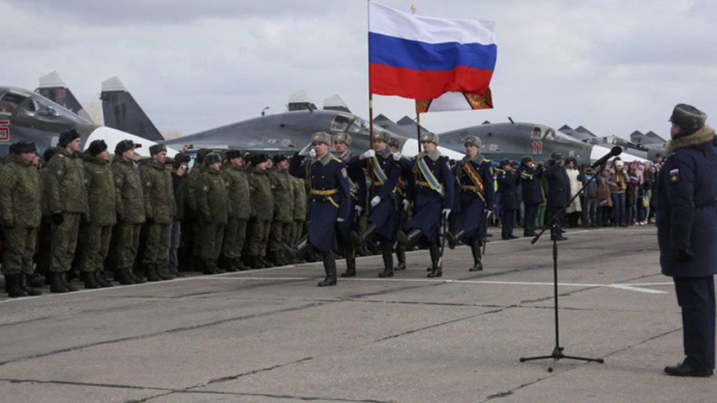 Russische Truppen zurück aus Syrien werden am Dienstag zuhause empfangen.