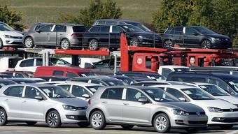 Trotz Abgas-Skandal haben sich neue VW-Autos auch 2016 am besten verkauft.
