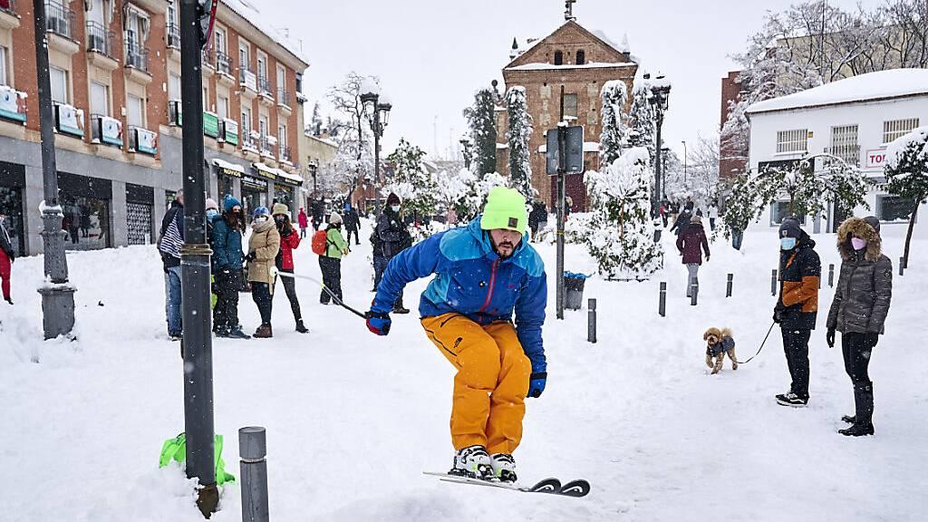 Starker Frost: Madrid erholt sich nur langsam vom Schneechaos